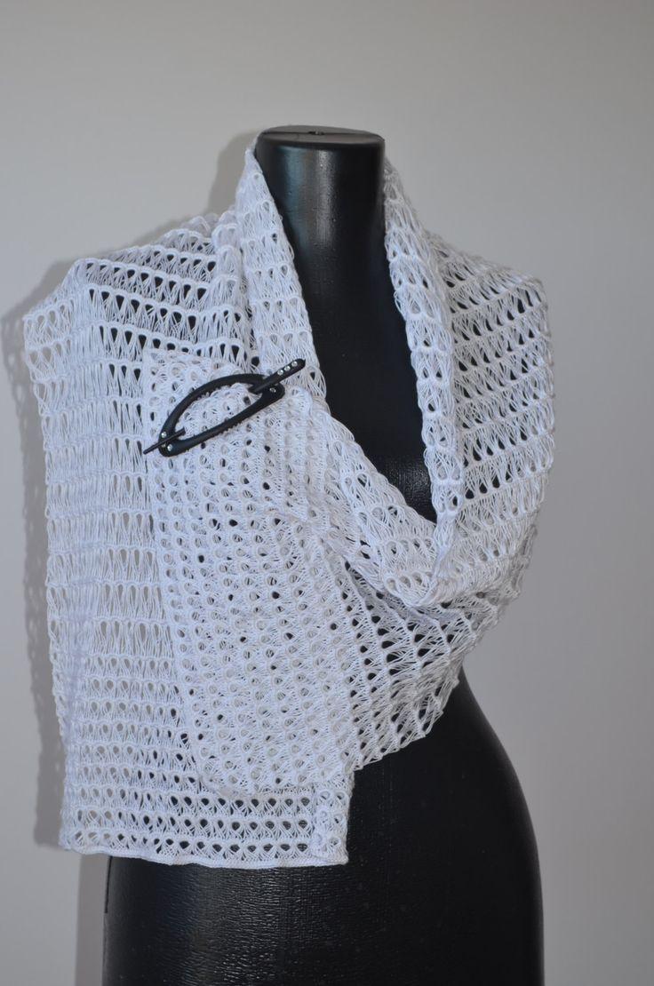 Sciarpa bianca in microfibra, per sposa di SaNaMarket su Etsy