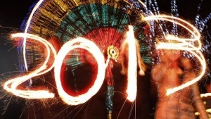 Bank of England to start 2013 on sidelines as economy scrapes by