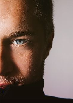 Travis Fimmel... I usually don't go for the pretty boys but, my my my.  Have you seen him in Vikings?  Really.