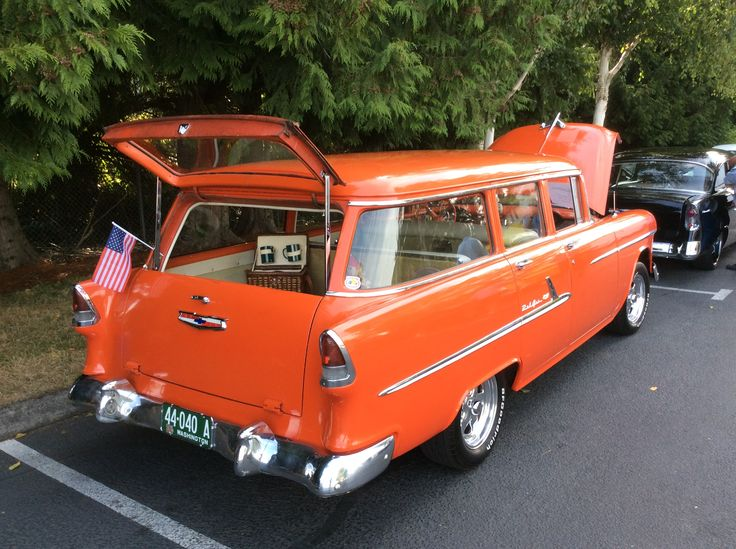 At the Tri 5 Chevy show in Issaquah Washington. At the XXX Root Beer Drive In. August 20th 2017. 1955 Chevy Chevrolet Station wagon.