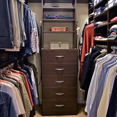 34 best images about small walk in closets on pinterest for How to organize your walk in closet
