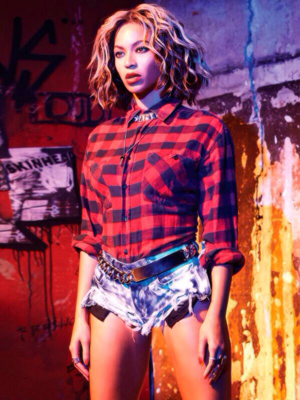 Beyonce is incredibly popular and her looks inspire her fans worldwide, including this flannel grunge-inspired ensemble for her 'Flawless' video