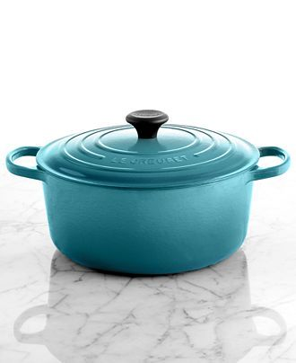 Le Creuset Signature Enameled Cast Iron 7.25 Qt. Round French Oven - Cookware - Kitchen - Macy's