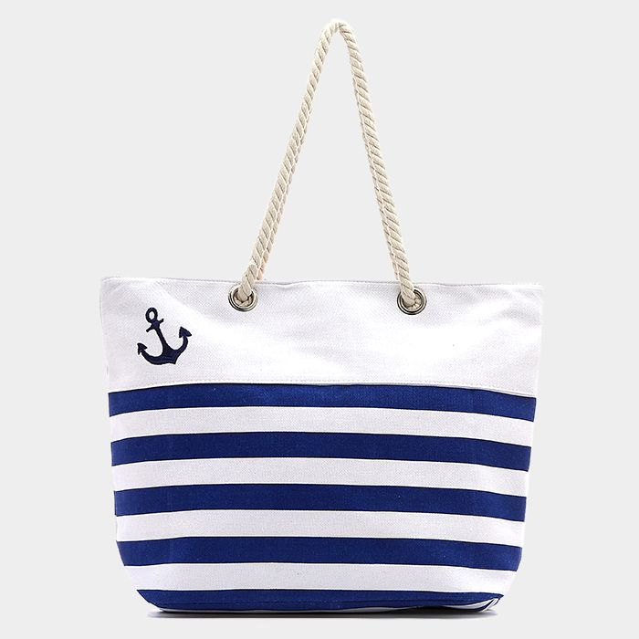A cute nautical look that screams sand and water!