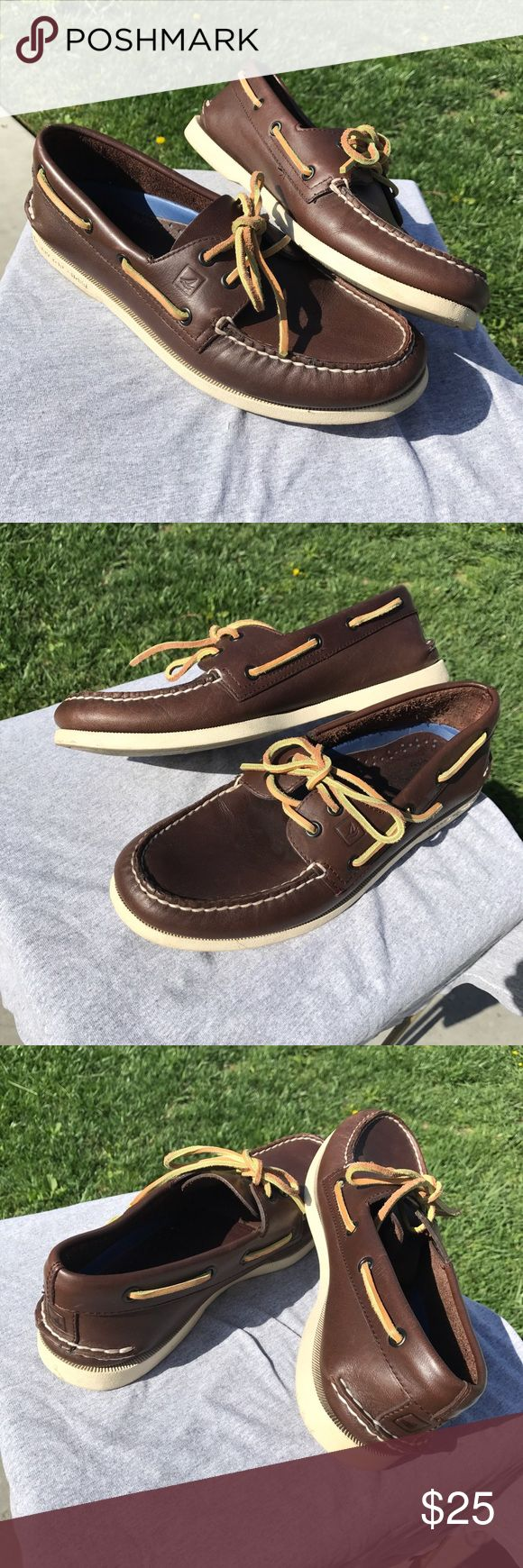 Sperry top siders Boat shoes Brown Cool boat shoes // in brown color // size 9 men // euc // 9/10 // no rips no leather stains // great for summer Sperry Top-Sider Shoes Boat Shoes