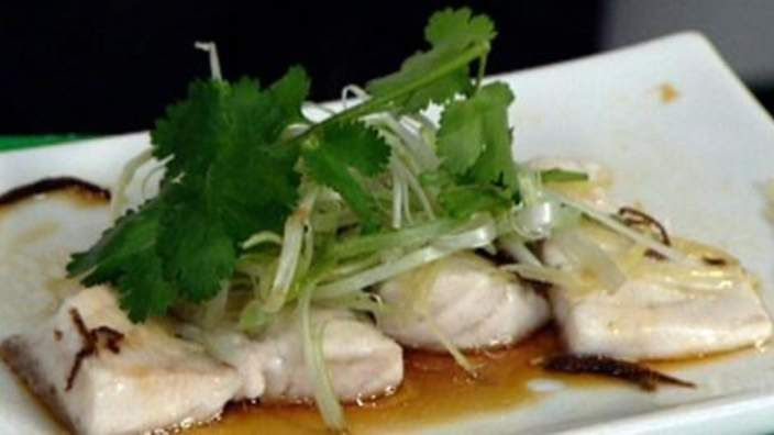 Steamed barramundi with rice recipe : SBS Food
