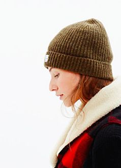simple ribbed beanie  http://rstyle.me/n/uf58mpdpe