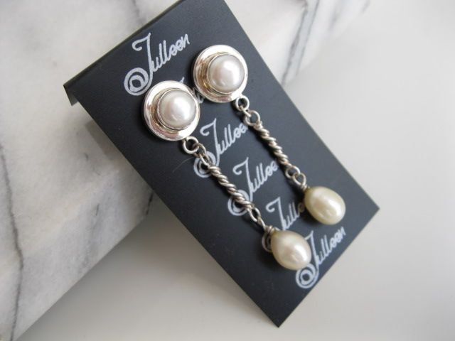 Just a touch of pearl for the special day..for the girl who wants femininity without too much fuss