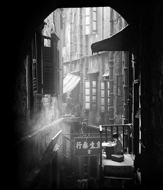As 21 imagens perfeitas de um jovem fotógrafo nos anos 50 em Hong Kong