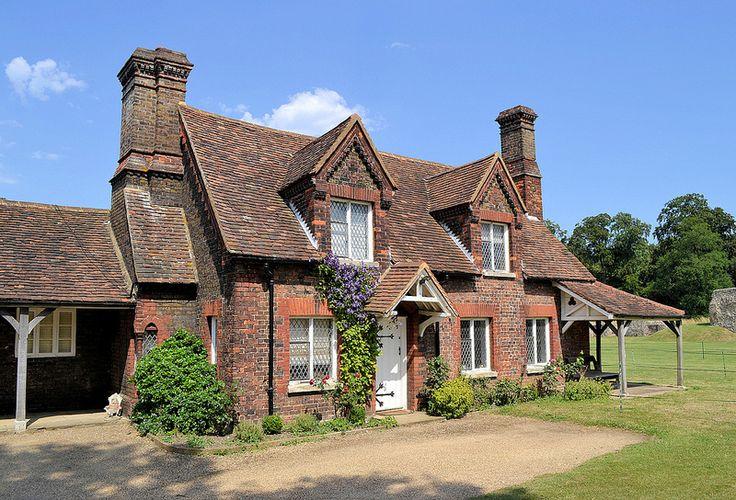 Berkhamsted Castle Cottage -