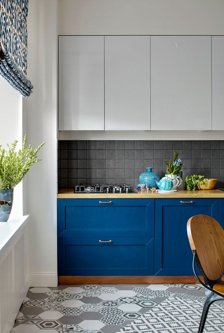 Beautiful simple kitchen (see more) #blue #furniture #tile #tiles #idea #inspiration #backsplash #kitchen #bright #moscow #russia #apartment #designer #home