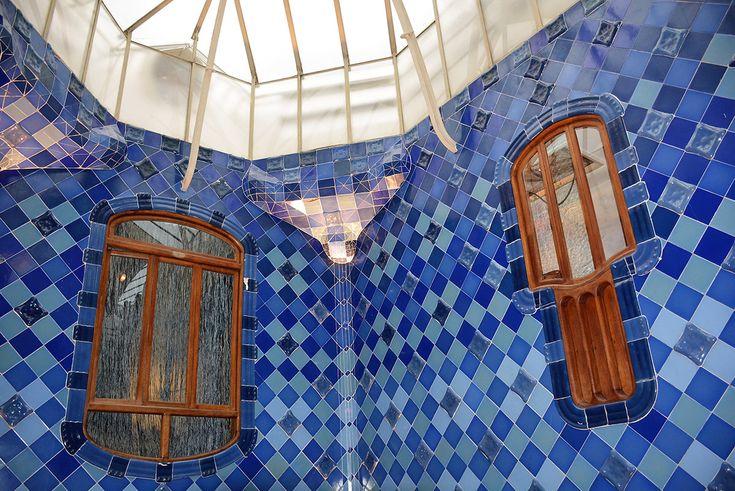 Priority Access: Sagrada Familia & Casa Batllo Tickets and Guided Tour