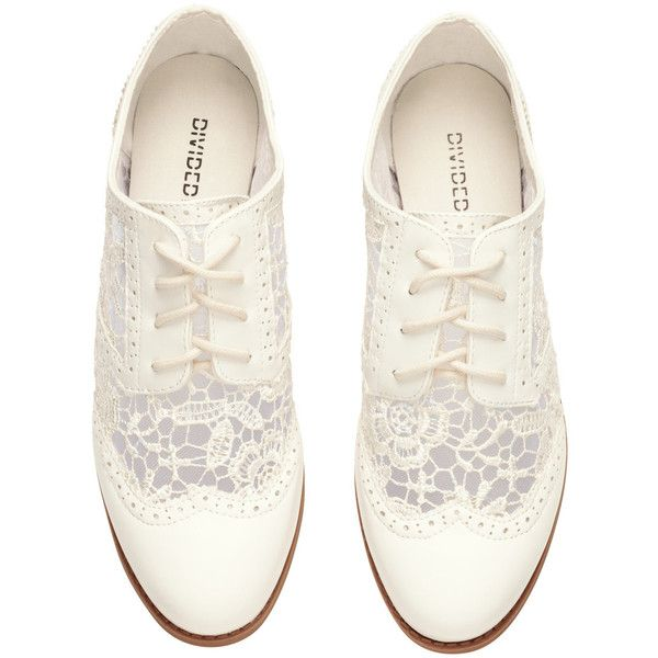 Brogues 100 ($28) ❤ liked on Polyvore featuring shoes, oxfords, flats, zapatos, white, oxford shoes, brogue oxford shoes, oxford brogues, balmoral oxfords and white oxford flats