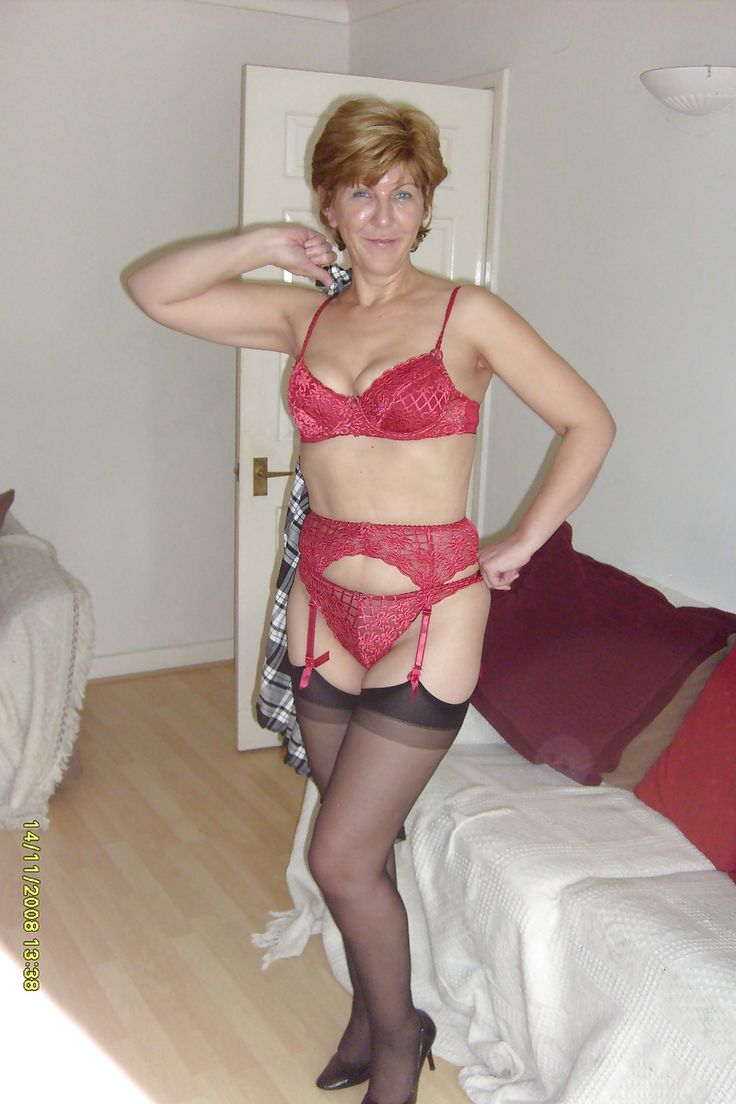 British flashing milf lady sara