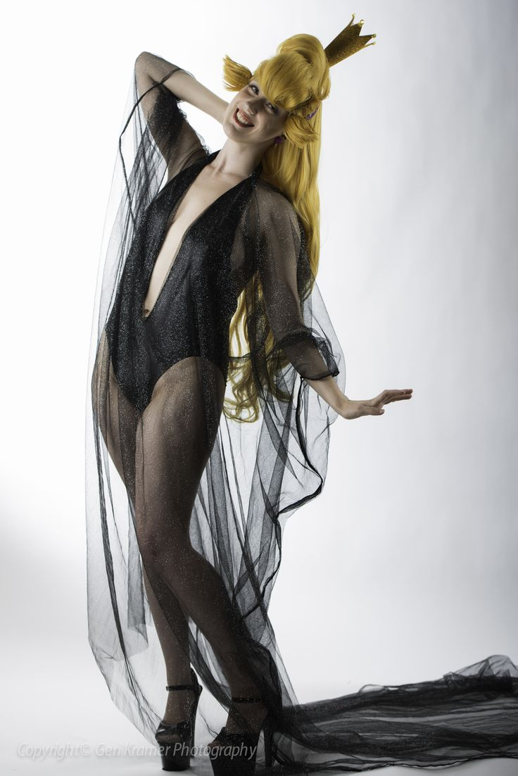 Princess Daphne from Dragon's Lair cosplay by Angi Viper ...
