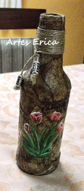 .Garrafa decorada com filtro de café usado