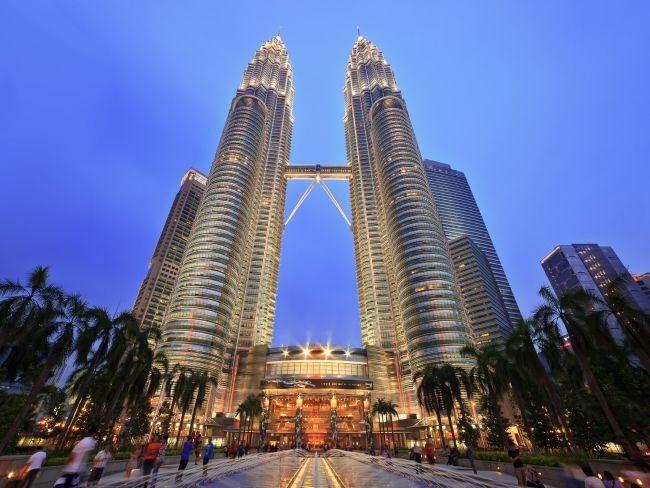 As Petronas Towers, em Kuala Lumpur, são as torres gêmeas mais altas do mundo