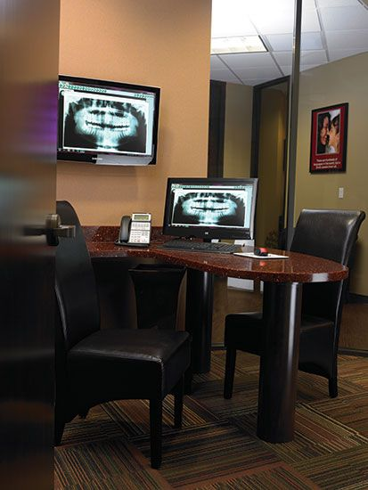 Lake Shore Cosmetic Dentistry Consultation Room