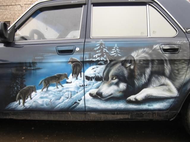 airbrush wolf pack car door
