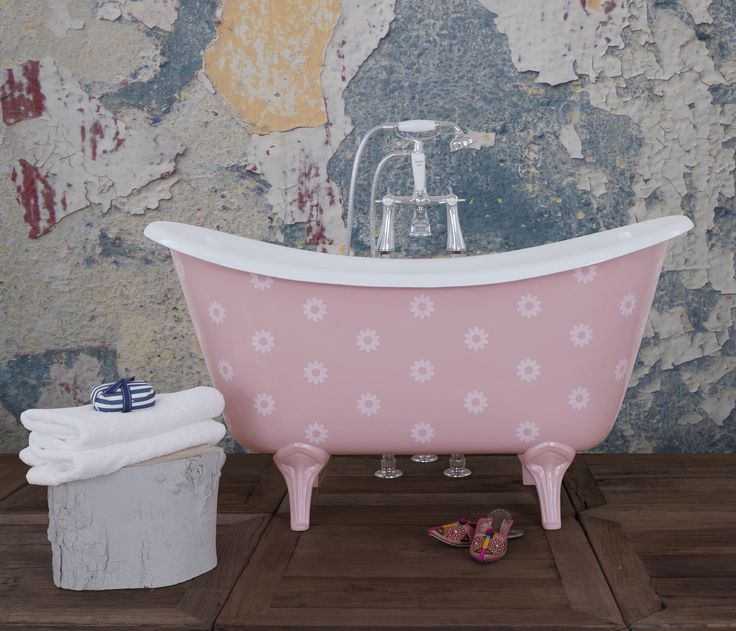 Ooh-La-La! Perhaps the cutest bath in our range, ma Cherie! Made in beautiful little, (kid sized) proportions and then customised however you or your little darling's dream of, the La Petite cast iron bath is just too good to not have. #Baths #Bespoke #Cute #Kids #Children #Design #InteriorDesign #British