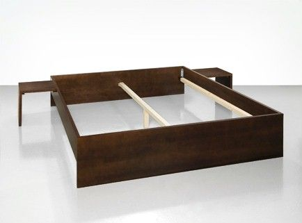 Bett im Minimaldesign | Anleitung Bett selbst bauen einfach