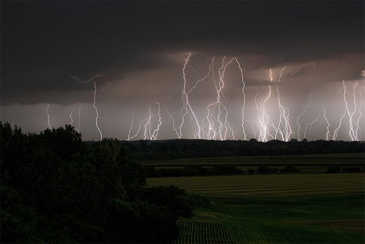 Severe Skies: The Photography of Storm Chaser Mike Hollingshead weather lightning clouds https://twitter.com/ogugeo/status/423651117960949760