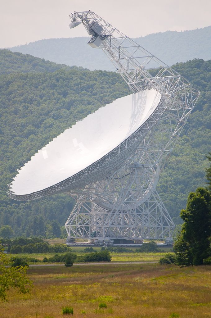A stunning view across the landscape of West Virginia and something seems just a little incongruous. Like something out of a Thunderbirds episode the National Radio Astronomy Observatory appears as if from nowhere. It was placed in the mountains to ensure the best reception of outer space radio signals. Amazingly, the size of the dish is larger than a football feed and the telescope is taller than the Statue of Liberty.