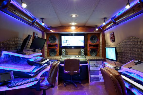 Recording Studio In Timbaland S Tour Bus Gt Gt Http My