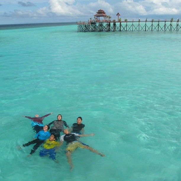 Maratua Island in Derawan Islands, East Kalimantan, INDONESIA. @midorinochi- #webstagram