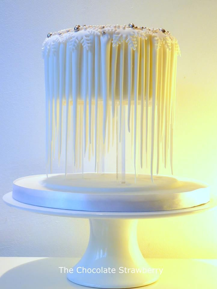 Floating cake - *Based on an icicle design, here's my floating cake. I made it for my own birthday.