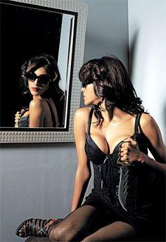 Paoli Damm sexy Video
