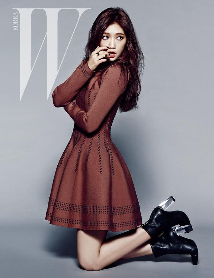 W Korea Title: Extreme Beauty Model: Park Shin Hye Photographer: Choi Yong Bin September 2014