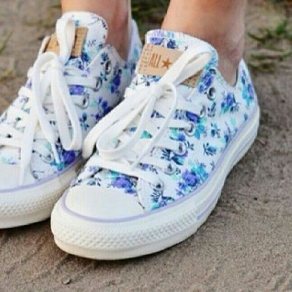 """Floral Converse Gorgeous floral converse in used """"vintage like"""" condition, these are gorgeous and a rare print to find! Any questions? Feel free to ask! I accept reasonable offers (: Converse Shoes Sneakers"""
