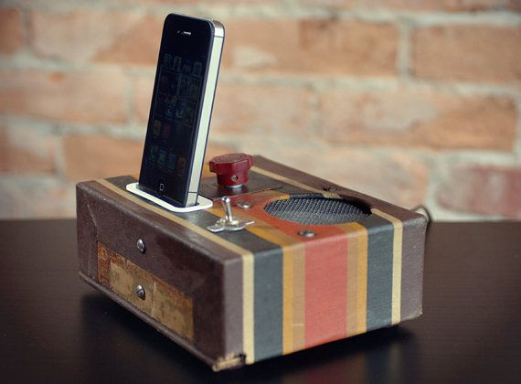 ipod iphone charging station with speaker from vintage cigar box tube radio