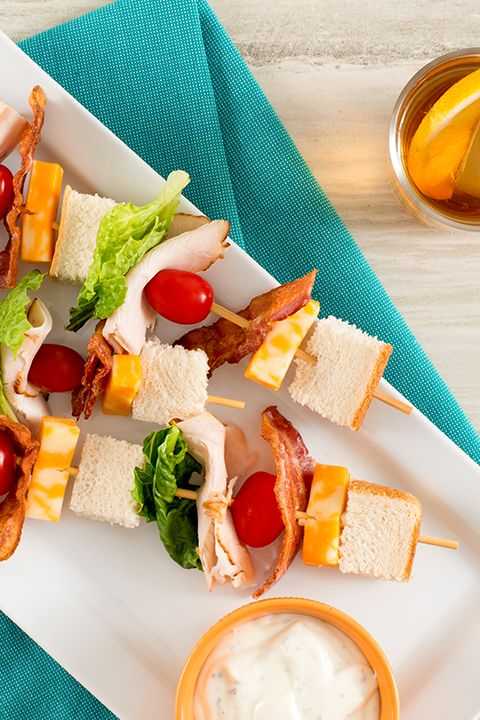 INGREDIENTS BY SAPUTO | Upgrade your family meal plan with these amazing club sandwich skewers. Made with turkey and Armstrong Marble Cheese Snacks, this recipe idea is sure to be a big hit at your house!
