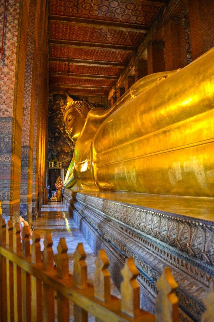 Reclining Buddha, Wat Pho - Bangkok, Thailand