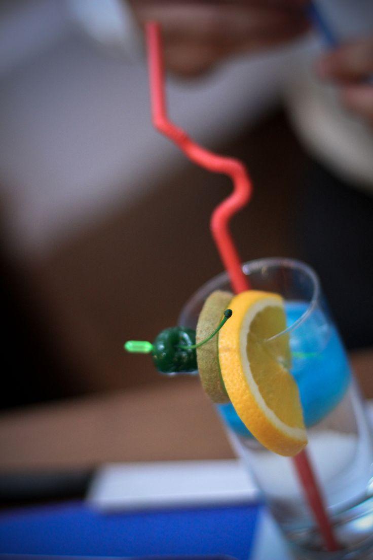 bartender at the wedding - a wonderful idea.