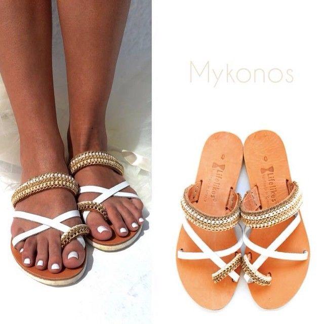 #mykonos #lifelikessandals #leathersandals #leathershoes #summerstyle #summershoes #flatshoes #greeksandals #leather #whiteleather #handmadeingreece #handmadesandals