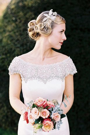 This bejeweled back: | 32 Strikingly Beautiful Wedding Dress Details