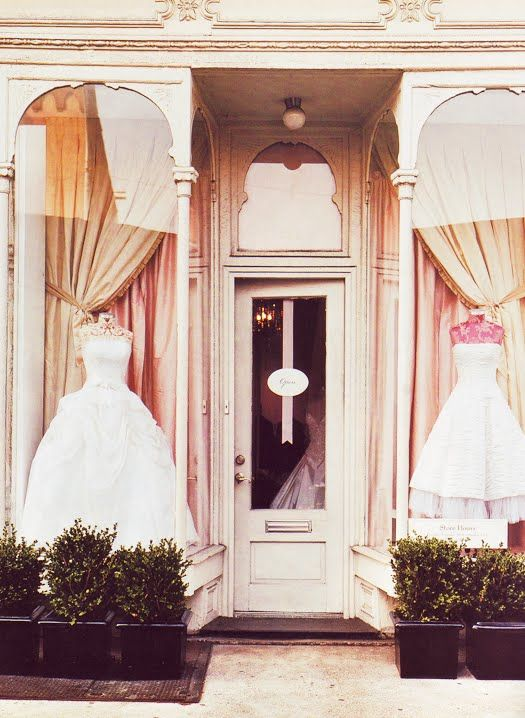 shop window: Dresses Shops, Bridal Shops, Wedding Dressses, Stores Front, Window Display, Shops Window, Wedding Dresses, Shops Front