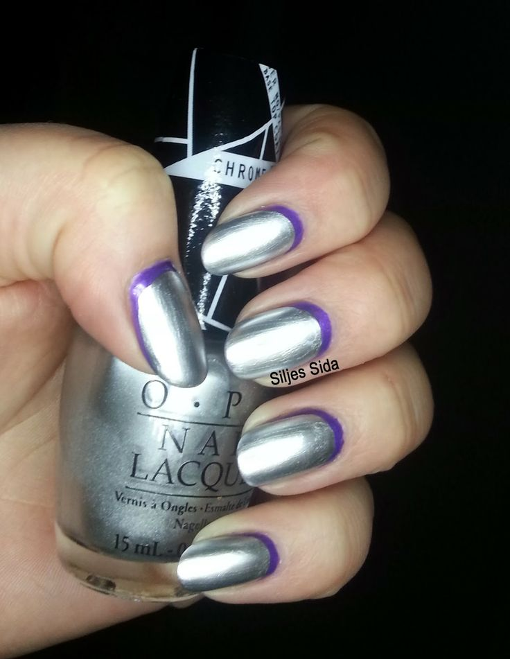 Reverse french manicure, Omvänd fransk manikyr med OPI Push and Shove and OPI - Purple With a Purpose