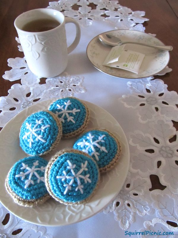 Frosted Snowflake Sugar Cookie Crochet Pattern