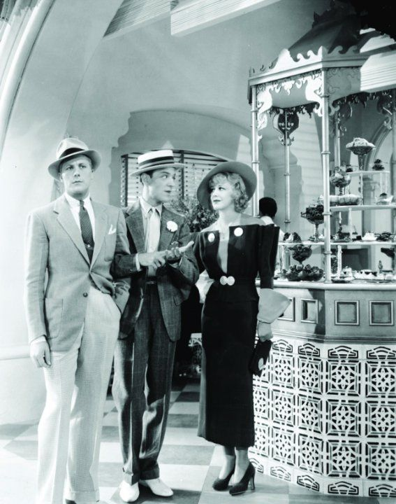 Still of Fred Astaire and Ginger Rogers in Flying Down to Rio (1933)