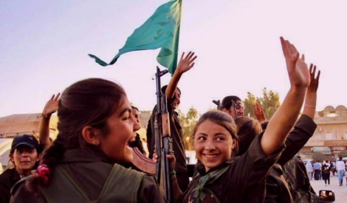 Le miliziane stanno partecipando alla campagna per liberare Raqqa dallo Stato Islamico