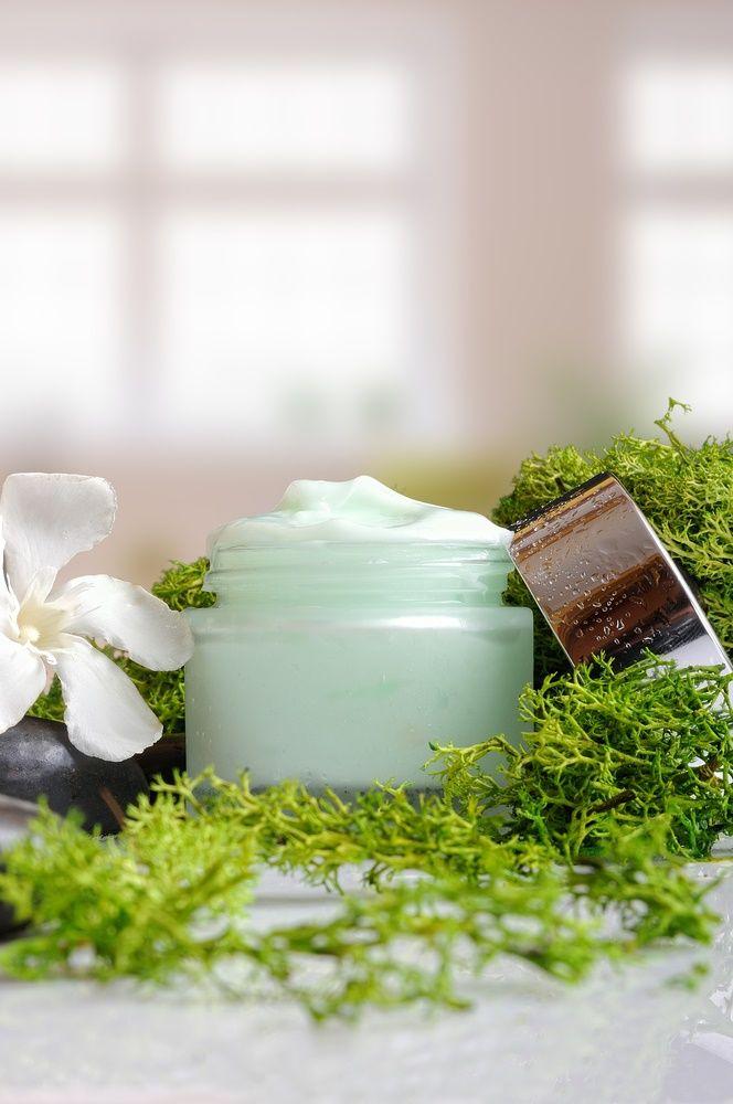 Esta Crema de Fucus, tiene los principios activos fucus, cafeína y limón, que estimulan el metabolismo de la piel, tratando y previniendo la piel de naranja