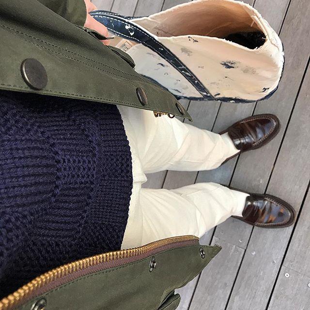 2016/12/24 07:38:36 nemo_hiro.16 今日の装い❗️ お早うございます😊 . 3連休ならず…です💦 . 新しいセーターを着て . ガンバリマス💪🏻 . それでは . 素敵なイブを🍾✨ ♪ #oiledjacket#barbour#bedale #knitwear#guernseywoollens #pants rugby#ralphlauren #shoes#alden#cordovan #totebag#llbean#vintage 80s #バブアー#ビデイル#ガンジーウーレンズ#ラルフローレン#オールデン#コードバン#LLビーン #barbourpeople#ootdmen#ootd#outfit#coordinate#fashiongram#mensclothing#dailyfashion#dailylook#今日の服