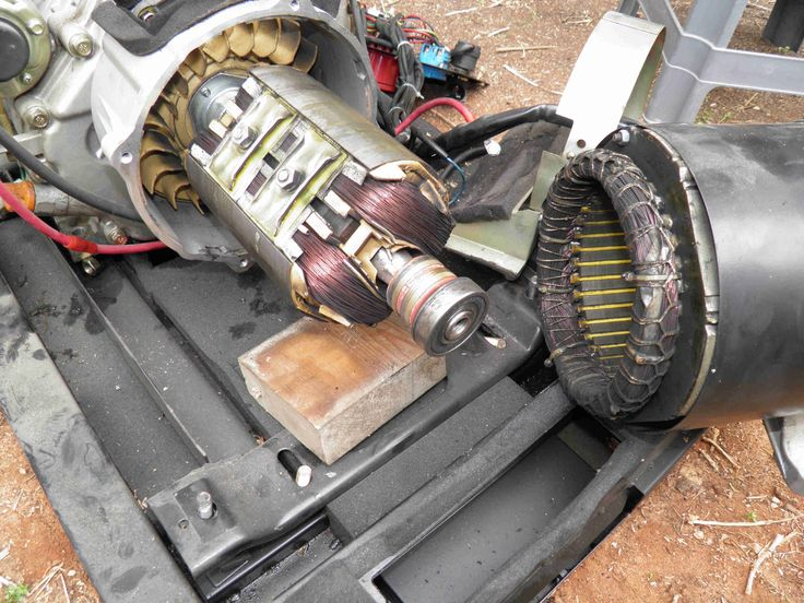 How to separate the alternator from the engine in a 5 or 6 KVA Kama or Kipor diesel generator. www.nomaallim.com.