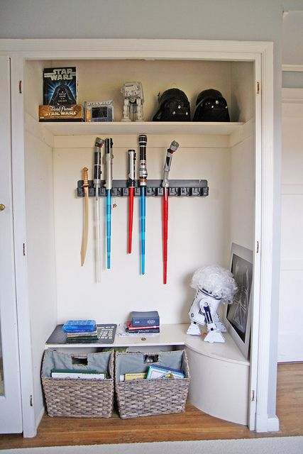 Light saber storage! I need.