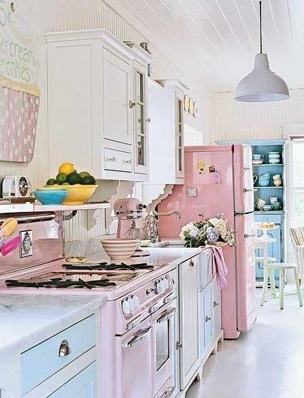 her kitchen: Posh Pastels