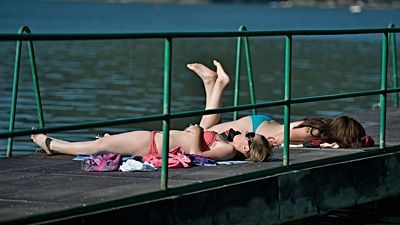 Heat wave in Czech Republic  - 34 degrees Celsius was measured at Prague